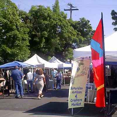 Saturday Artisans' & Crafters' Market in Grants Pass